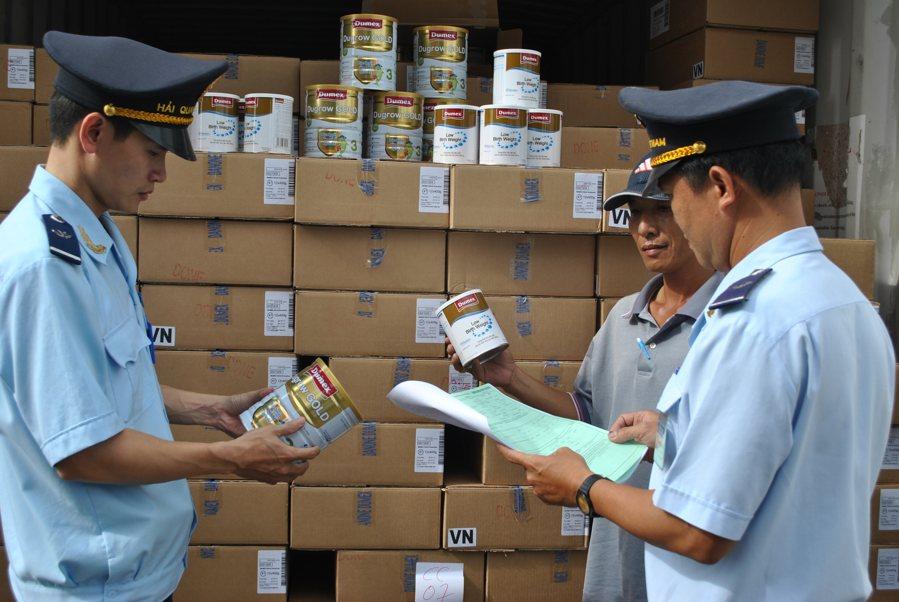 Dịch vụ thông quan hàng hóa tại sân bay Tân Sơn Nhất