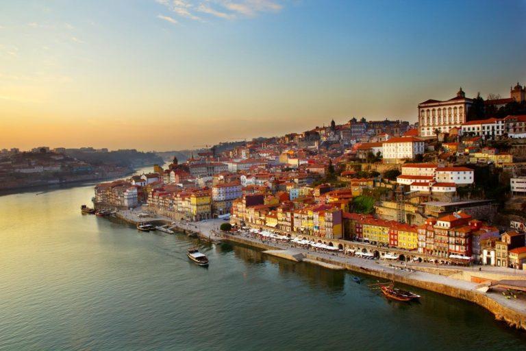 Dịch vụ chuyển phát nhanh Hà Nội đi Bồ Đào Nha giá rẻ và an toàn