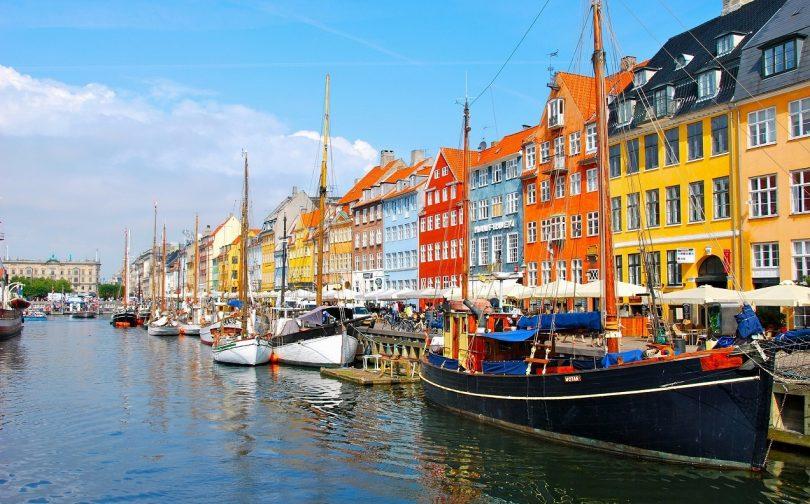 Dịch vụ chuyển phát nhanh đi Đan Mạch giá rẻ.