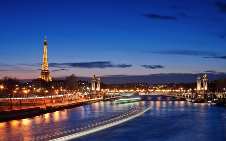 Dịch vụ vận chuyển hàng từ Pháp về Việt Nam
