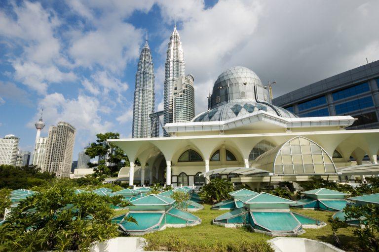 Vận chuyển hàng hóa bưu phẩm đi Malaysia uy tín, đảm bảo