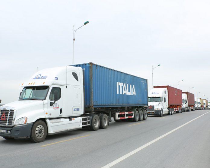 Dịch vụ vận tải tiểu ngạch chính ngạch Việt - Trung