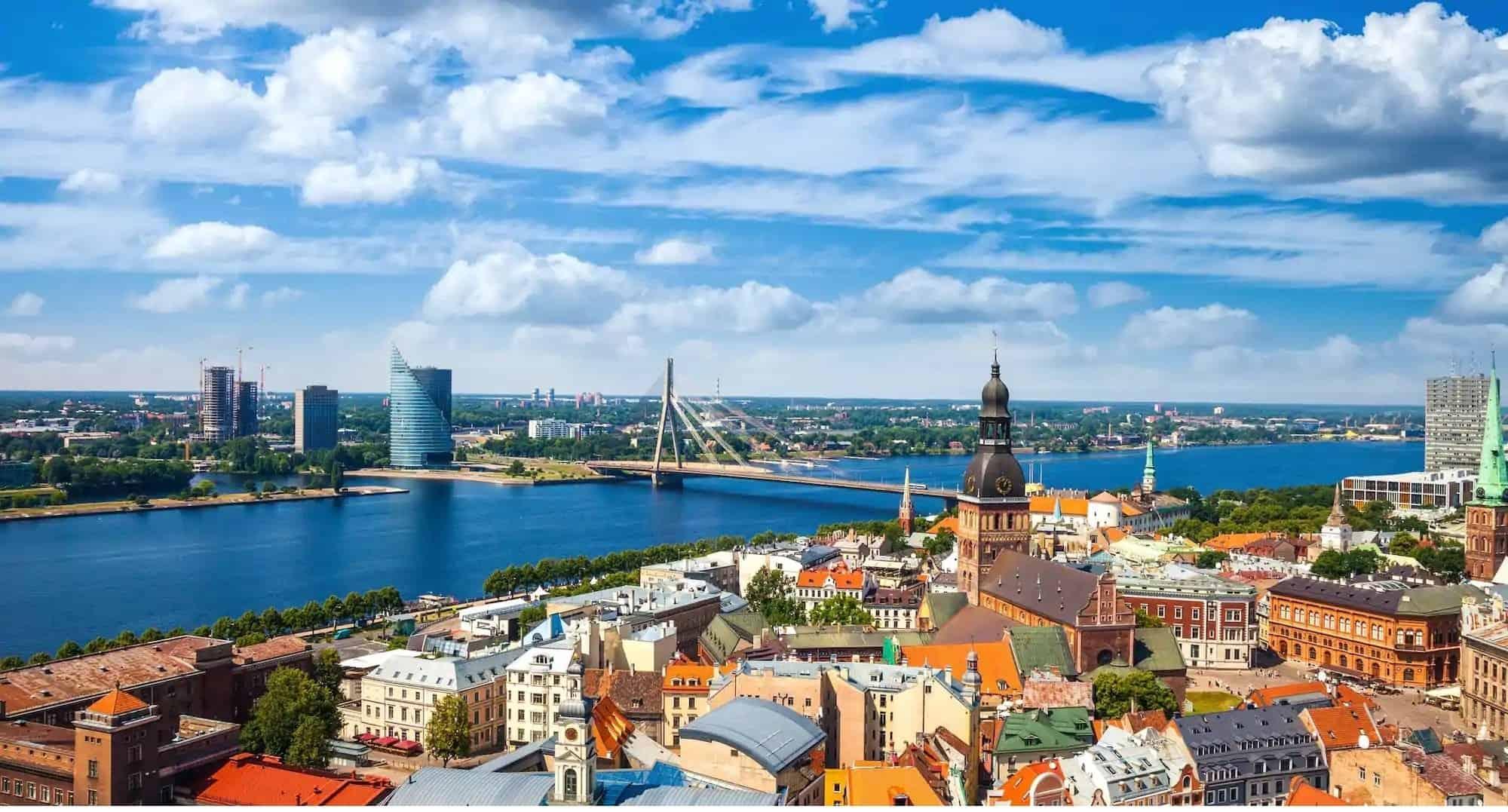 Chuyển phát nhanh đi Latvia giá rẻ tại EMSVietnam